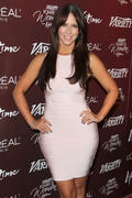 th_24463_Jennifer_Love_Hewitt_arrives_at_the_3rd_Annual_Variety_s_Power_of_Women_Event_122_482lo.jpg