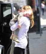 http://img285.imagevenue.com/loc540/th_671721298_Hilary_Duff_out_and_about_in_Studio_Sity10_122_540lo.jpg
