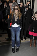 Ванесса Паради, фото 257. Vanessa Paradis arrives at Pavillon Cambon to attend the Chanel show at Pavillon Cambon Capucines in Paris, France, January 25, foto 257