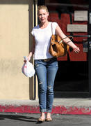 Кэтрин Хэйгл, фото 3553. Katherine Heigl - leaving Sushi Ike in Los Angeles 03/08/12, foto 3553